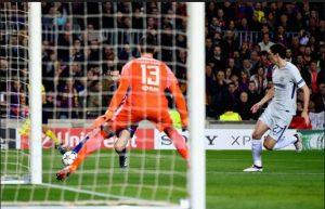 Обзор матча Барселона - Челси. Лионель Месси открывает счет
